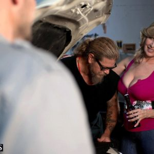 Chesty light-haired cougar Laura Layne seducing mechanics for MMF threeway in garage