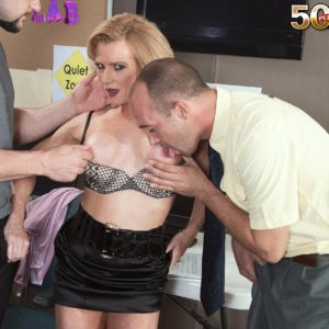 Over 50 yellow-haired MILF tutor Amanda Verhooks caught delivering blowjob in classroom