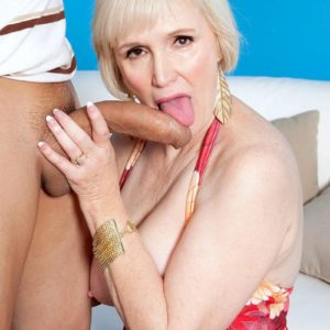Chesty short haired grandma Lola Lee delivering hefty dick oral sex and tit-screwing in hosiery