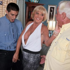 Yellow-haired granny Scarlet Andrews releasing gigantic tits before cuck spouse