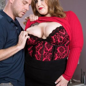 BBW X-rated film star Huge-titted Emma gets around to delivering a oral job after being disrobed