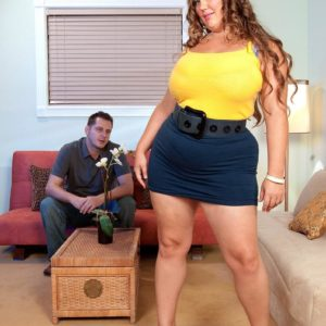 BIG BEAUTIFUL WOMAN Analee Sands has her giant fun bags looses from her shirt and brassiere in a skirt