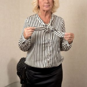 Blond grannie Regi letting flappy loose from bra before grease massage from massagist