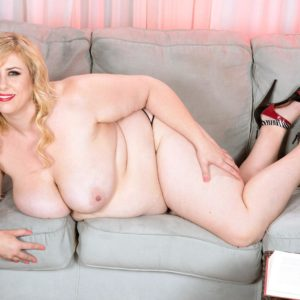 Light-haired BIG HOT WOMAN Lila Ultra-cute reveals her breasts as she gets rid of her sundress