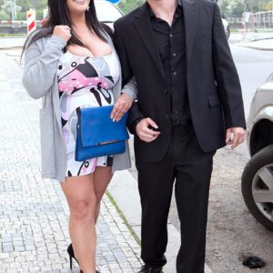 Black-haired fatty Nila Mason delights her dude pal with her boobs