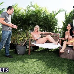 Experienced woman Rita Daniels and her gf tempt and munch off a younger stud