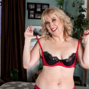 Older gf with sandy-haired hair Rebecca Williams tempts her husband in lingerie and nylons