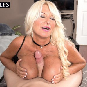 Stunning experienced lady Annellise Croft has her humungous breasts ate on before a breast screw