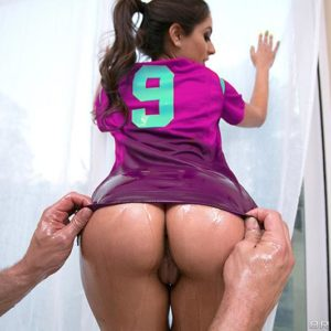 PLUS-SIZE ARSED WHITE CHICK Jynx Maze takes a monster-sized cock up her butthole during a football and pizza soiree
