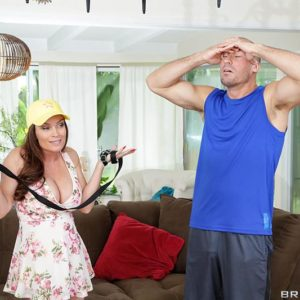Big-titted MILF Diamond Foxxx has her hair pulled while getting caboose boned on a rug