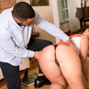 Pretty female Virgo Peridot has her big butt freed from a short sundress by a stud in high-heels