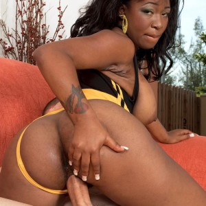 Big-chested black MILF Ambrosa Jones boinking gigantic dick in leg warmers and stilettos