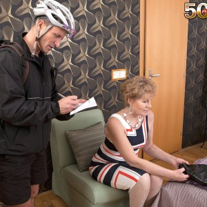 Clothed expert lady Georgina seducing pedal bike courier with a BJ in nylons