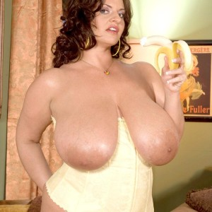 Curvy chick Maria Moore flaunting large boobs while sucking food and delivering ORAL JOB