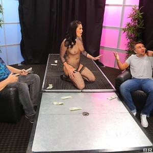 Dark haired stripper London Keyes delivering fellatio before getting screwed for money