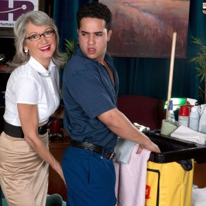 Expert work place employee Cheyanne entices the janitor in a miniskirt and glasses
