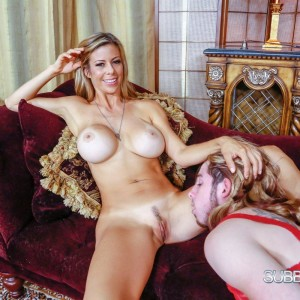 Long-limbed ash-blonde babe Alexis Fawx has her feet and slit adored by a sissy
