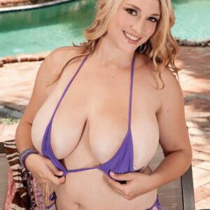 Chubby ash-blonde solo girl Melissa Manning modelling au naturel while outdoors